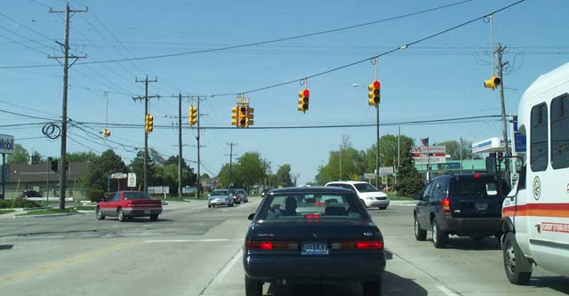 Modern installation in Michigan with Left and right turn arrows.
